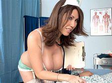 Nurse Kianna Will Drain U Dry Now